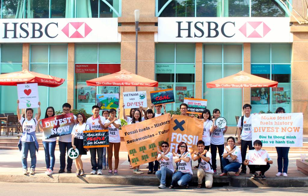 350 org – Demand HSBC Stops Profiting from Destruction